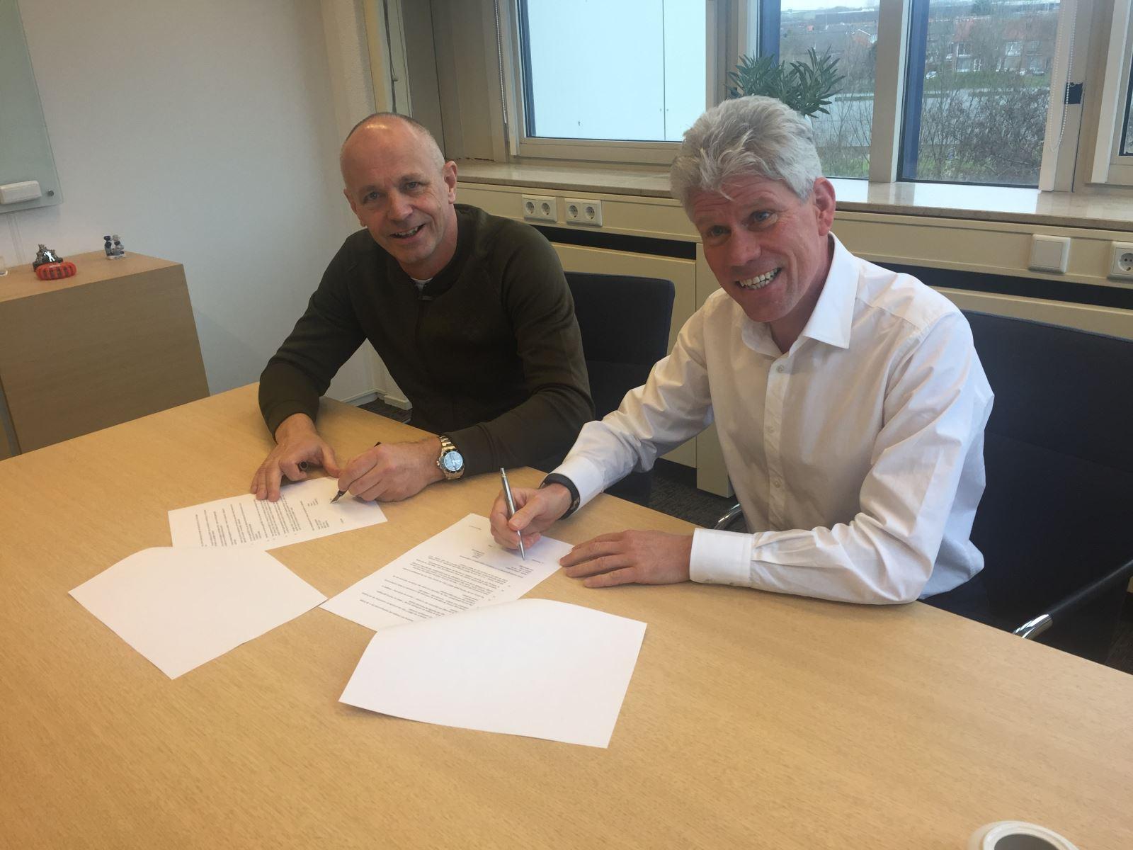 Ondertekening BMWT en Ondile samenwerking uitgifte lesmateriaal BMWT-Train